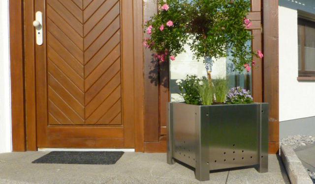 blumen pflanzk bel. Black Bedroom Furniture Sets. Home Design Ideas